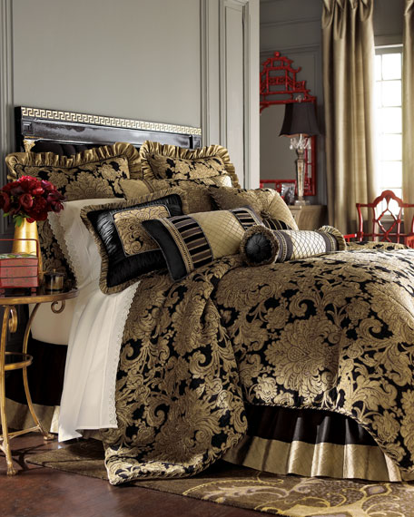 Austin Horn Collection King Senna Comforter Set
