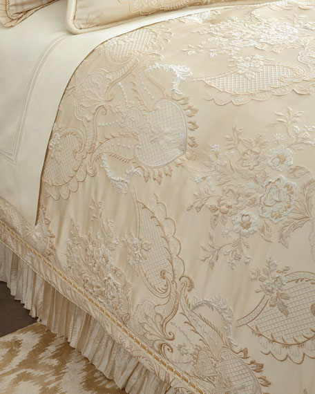 Austin Horn Collection Queen Charlotte Comforter