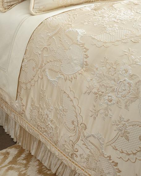 King Charlotte Comforter