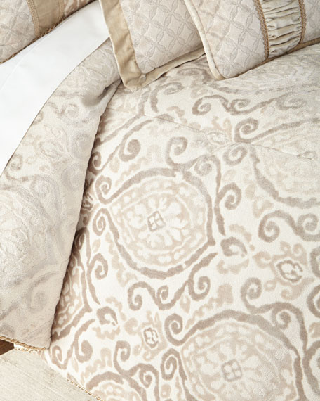 Austin Horn Classics Chateau King Comforter