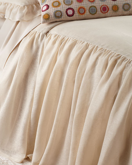 King Savannah Tea Stain Skirted Coverlet
