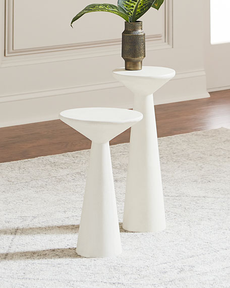 Charmant Pair Of Napoli Pedestal Side Tables