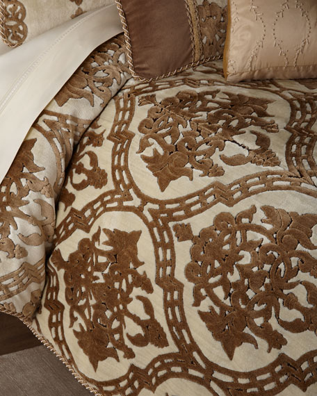Versaille Queen Comforter
