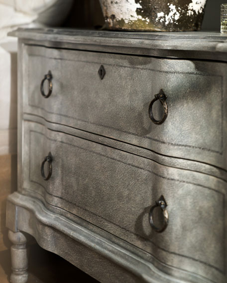 Isamar Bachelors Chest