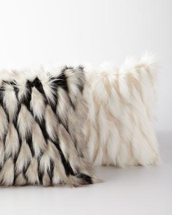 Jadis Onyx Decorative Pillow