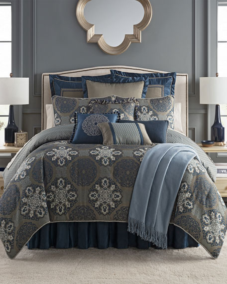 Jonet Reversible 4-Piece King Comforter Set