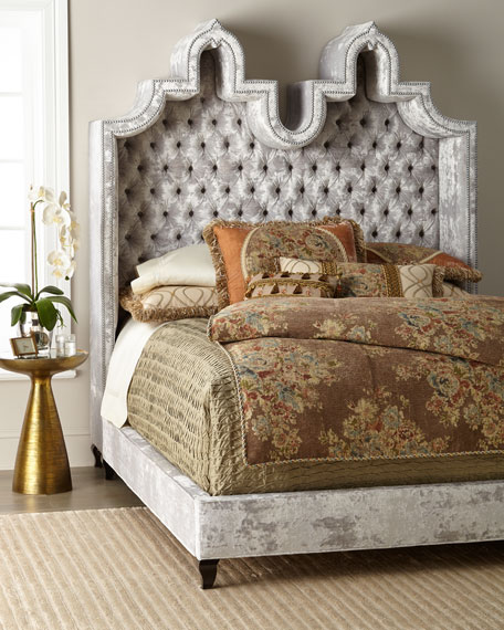 Carolina Hooded Queen Bed