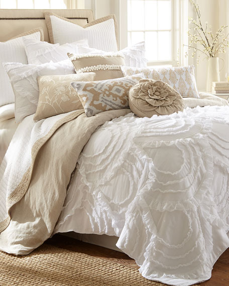 Layla Twin Quilt Set