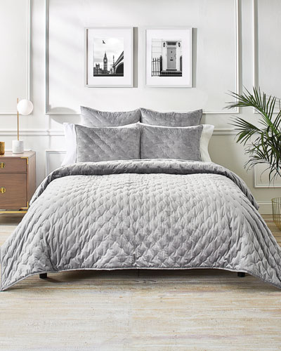 Velvet Bow Full/Queen Coverlet