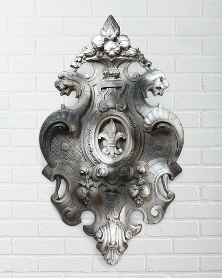Victorian Crest Wall Decor