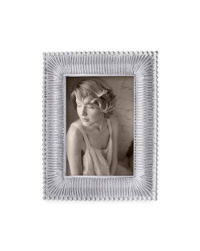 Classic Fanned Picture Frame  4 x 6
