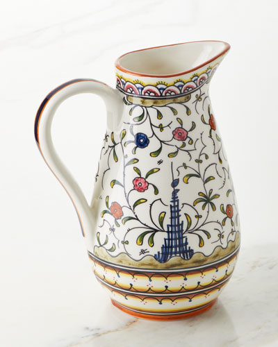 Pavoes Pitcher