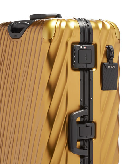 19 Degree Aluminum Extended Trip Luggage