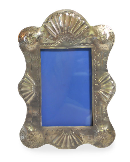 Scalloped Frame