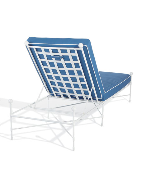 Avery Chaise, White/Blue