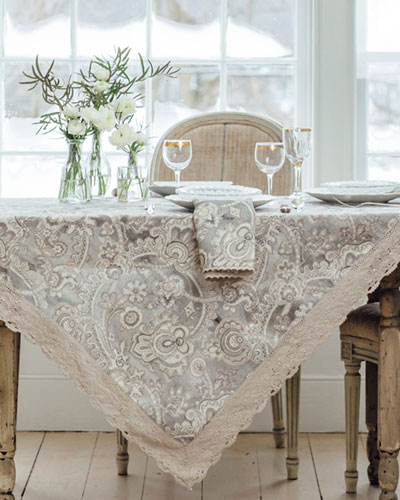 Queen's Court Linen Breakfast Tablecloth