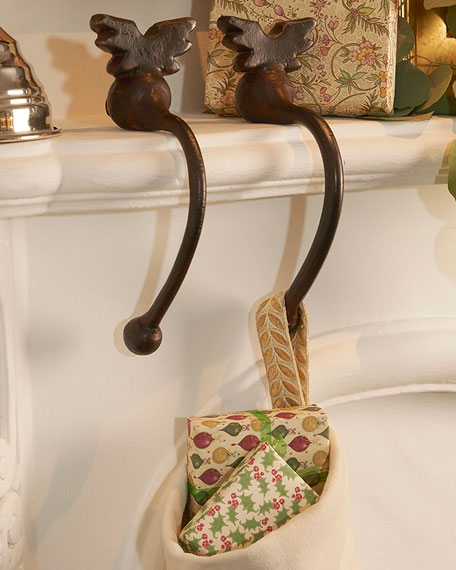 Jan Barboglio Alas de Manto Stocking Holders, Set