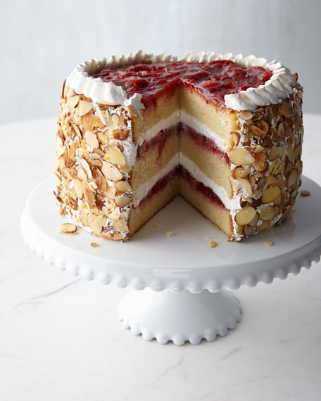 Strawberry Chantilly Cake, For 8 People