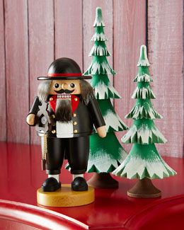 GLAESSER Clockmaker Nutcracker & Frosted Trees