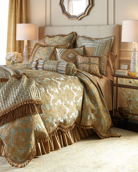 Palazzo Como King Scalloped Damask Duvet Cover