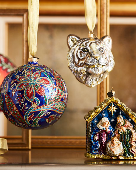 Medium Ornament Stand