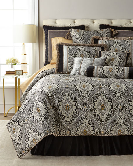 Rockwell Queen Comforter