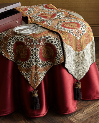 Maximus Square Tablecloth with Tassels and Matching Items