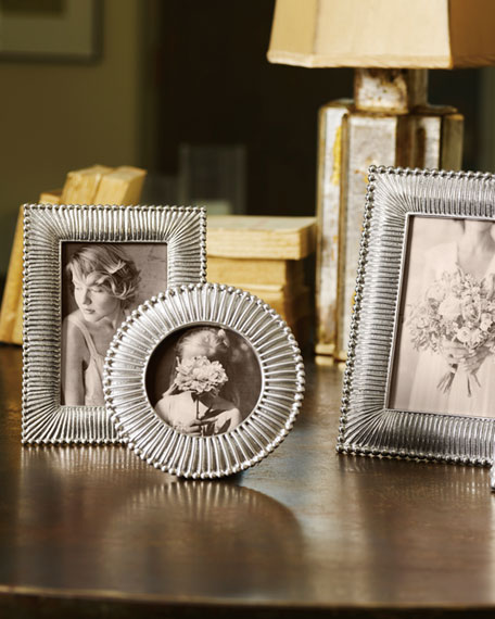 """Classic Fanned Picture Frame, 5"""" x 7"""""""