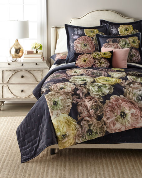 Le Poeme de Fleurs Midnight King Duvet Cover