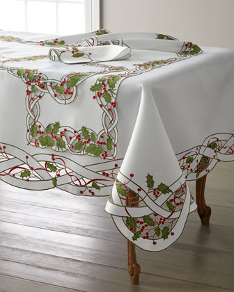 Holly Vine Napkins  Set of 4  and Matching Items