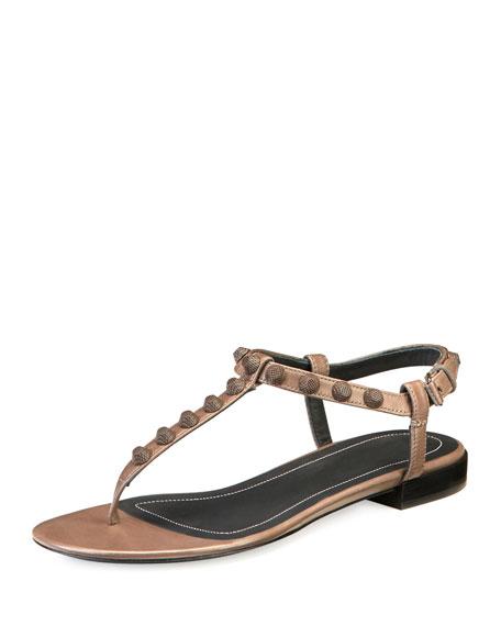 Studded Leather Flat T-Strap Sandal, Gris Asphalte