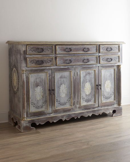 """Victoria"" Entertainment Chest"