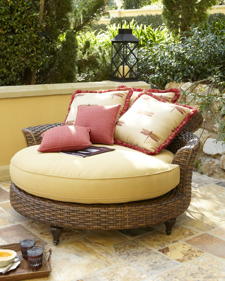 Outdoor Circular Chaise