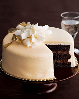 Ivory & Gold Gateau