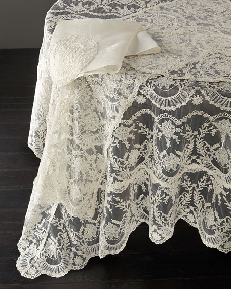 "Chantilly Lace Oblong Tablecloth, 180""L"
