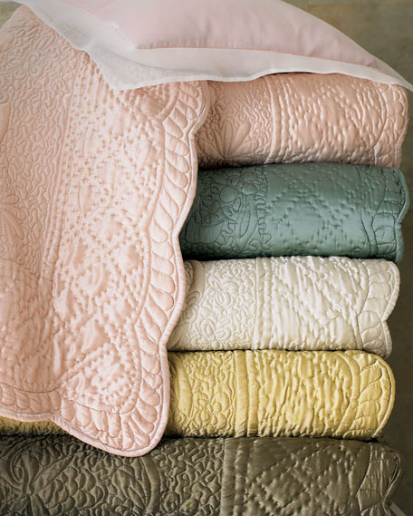 Amity Home Tudor Queen Quilt