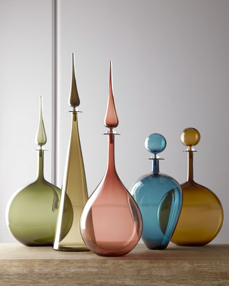 Plum Teardrop Decanter with Pointed Stopper