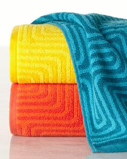 Amazing Maze Bath Towel