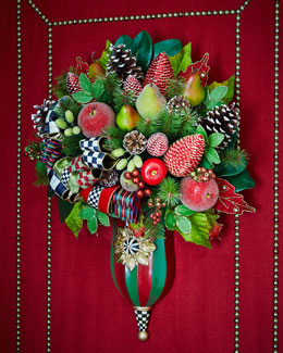 Courtly Christmas Entrance Bouquet
