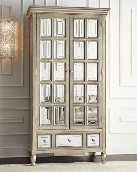 Attirant Brielle Mirrored Cabinet