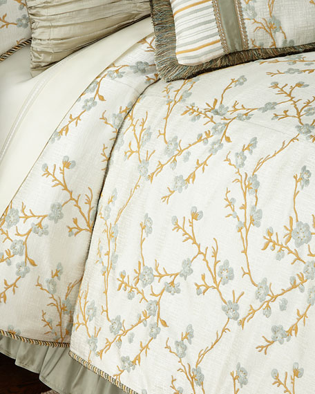 Blossom Queen  Comforter