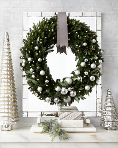 Green Ivy Leaf & Silver Ball Christmas Wreath, 32