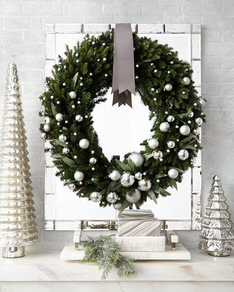 Green Ivy Leaf & Silver Ball Christmas Wreath, 32""