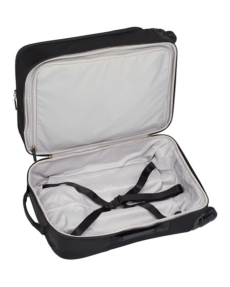Voyageur Tres Leger International Carry-On Luggage
