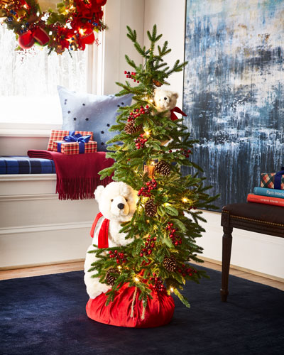 Polar Bear Play Christmas Tree