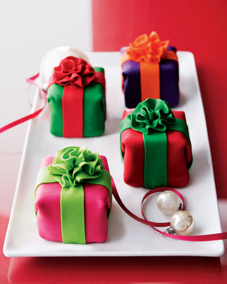 Mini Holiday Cheesecakes