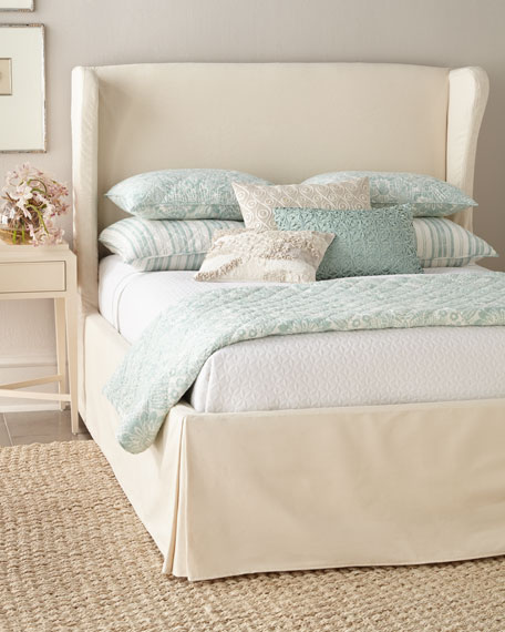 Castillo Queen Slipcover Bed