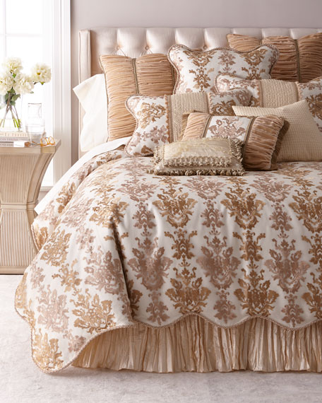 Isadora Embroidered Damask Queen Duvet