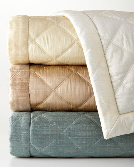 Queen Big Diamond Coverlet
