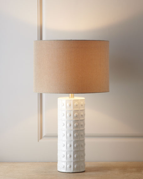 WHITE CERAMIC LAMP W/ NATURA